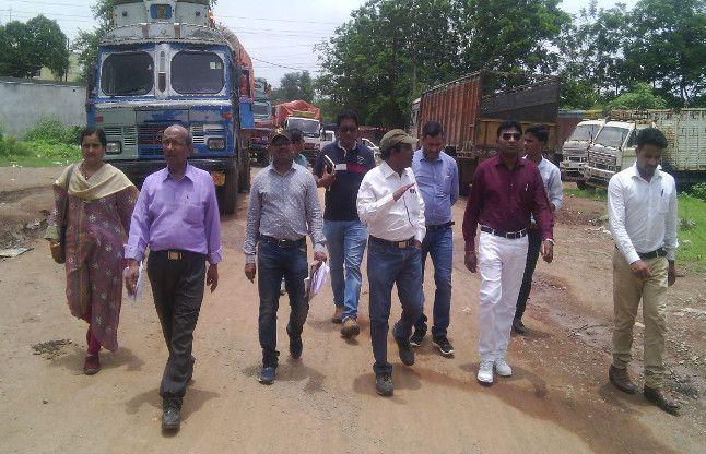 जिला प्रशासन, रेलवे व निगम के अधिकारी उतरे सड़क पर, शहर में जल्द आकार लेगी आरओबी
