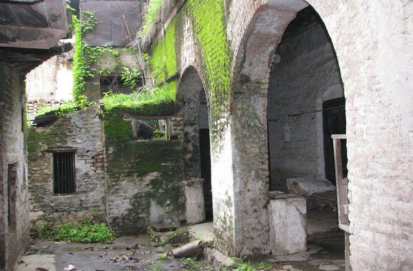 Photos of kishore kumar ancestral house in Khandw