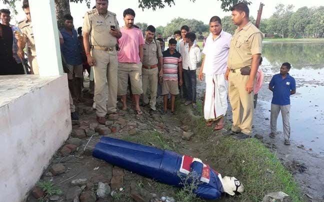 यूपी के आजमगढ़ में टूटी अंबेडकर प्रतिमा,ग्रामीणों का फूटा गुस्सा