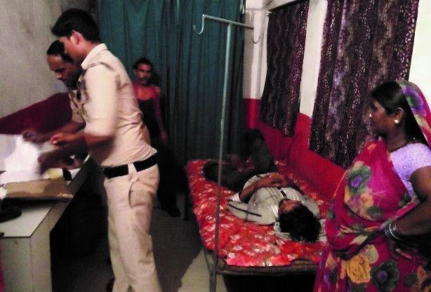 हत्या कबुलवाने दो भाइयों को जंगल में ले जाकर बेदम पीटा, चाकू से गोदा फिर वीडियो बनाई