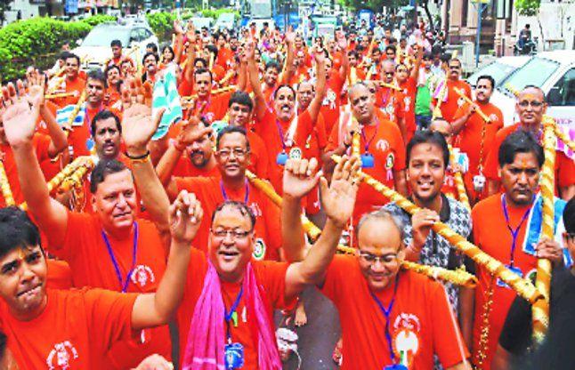 कांवड़ पदयात्रा में गूंजा बोल बम ताड़क