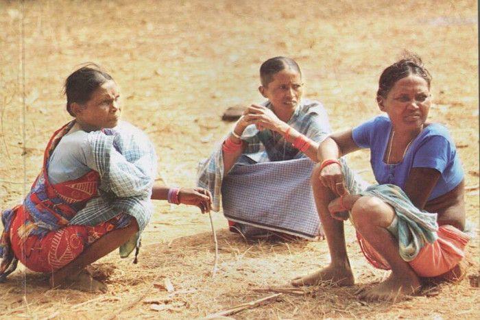 बस्तर में कई महिलाओं के साथ हुई दरिंदगी, कपड़े उतरवाकर कराई गई परेड