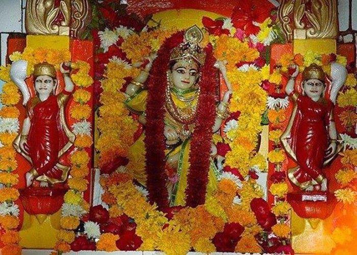 चीन से युद्ध रोकने नेहरू ने यहां करवाया था विशेष यज्ञ,कई हस्तियां है इस देवी की भक्त