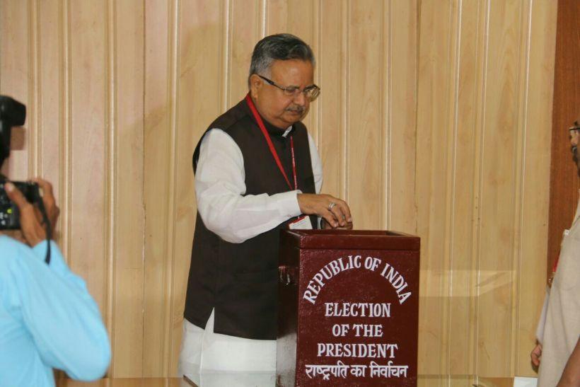 राष्ट्रपति चुनाव : 89 विधायकों ने किया मतदान, अमित जोगी नहीं पहुंचे