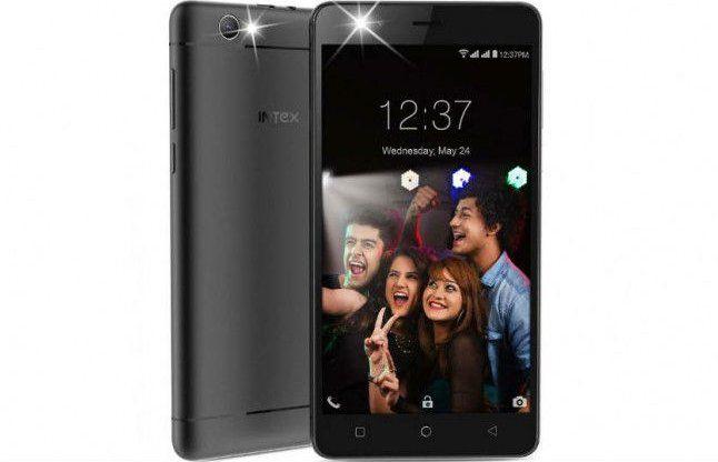 सेल्फी के शौकीनों के लिए इंटेक्स ने लॉन्च किया सस्ता 'एक्वा सेल्फी' स्मार्टफोन