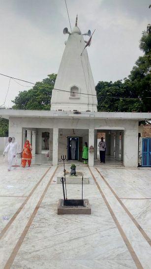 इस मंदिर में रुद्राभिषेक के लिए हर सावन में श्रीलंका से आते हैं रावण के वंशज