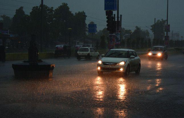 48 घंटे के भीतर जिले में होगी भारी बारिश, मौसम विभाग ने दी चेतावनी