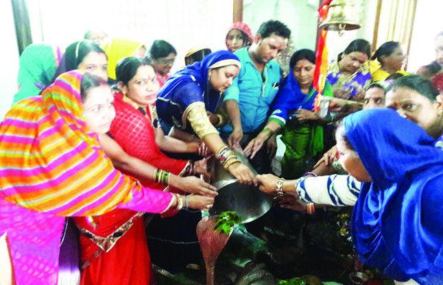 जय- जय शिवशंकर... शिवालयों मे पूजे गए भोलेनाथ