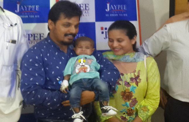 नोएडा के जेपी हॉस्पिटल ने 4 माह के पाकिस्तानी शिशु को दिया नया जीवनदान