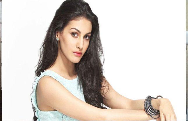 बॉलीवुड-दक्षिणी फिल्मों को लेकर अभिनेत्री अमायरा ने कही ये बात, जानिए