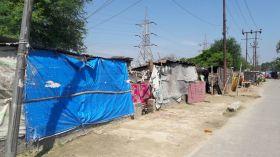 आतंकी खतरे के मद्देनज़र अयोध्या में अनाधिकृत रूप से रह रहे लोगों का ब्योरा जुटाने में जुटी पुलिस