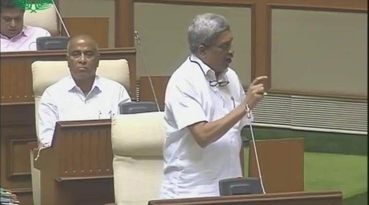 पर्रिकर बोले- गोवा में नहीं होने देंगे बीफ की कमी, VHP ने मांगा इस्तीफा