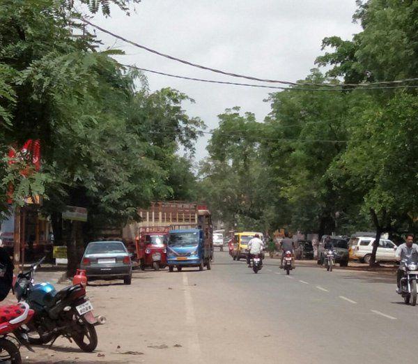 रहवासी इलाके में गैस गोडाउन, सोशल मीडिया में हटाने की मांग उठी