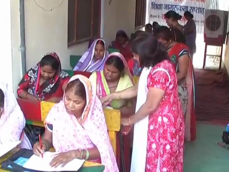 अनपढ़ बुजुर्ग महिलाओं को किया जाएगा साक्षर, दिव्यांगों की संस्था समर्पण ने शुरू की मुहिम