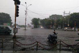 बारिश से तरबतर हुआ शहर, खशियों संग बरस रही आफत