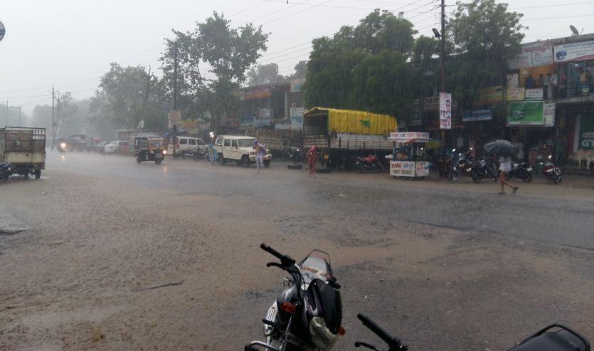 झमाझम बारिश से जिला तरबतर बिजली गिरने से दो लोगों की मौत