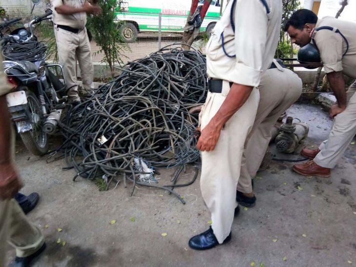 कबाड़ में मिला बिजली कंपनी के दफ्तर से चोरी गया दो लाख रुपए का सामान