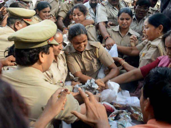 Image result for मध्य प्रदेश में आरोपी को पकड़ने गई पुलिस टीम पर हमला