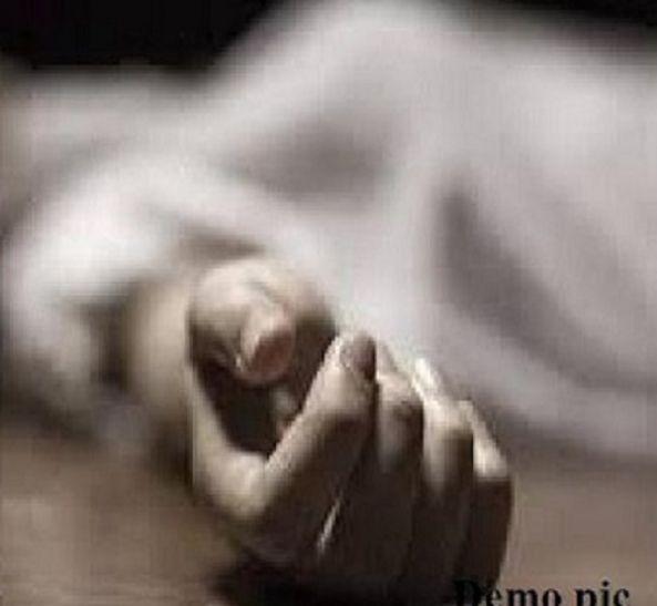 Breaking जौनपुर मेंपति ने दो बच्चों और पत्नी को कुल्हाड़ी से काट डाला