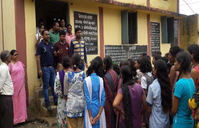#अलर्ट : नकली चावल खाने से Girls hostel की छात्राएं बीमार