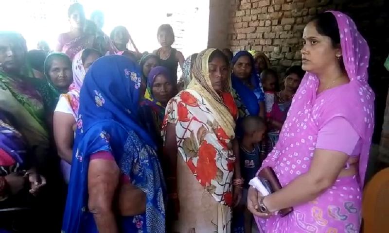 शराबबंदी के समर्थन में बसपा विधायक वंदना सिंह, महिलाओं से कहा- लड़ाई जारी रखें