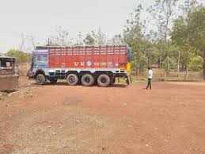 मिर्जापुर के गैपुरापुलिस चौकी से चोरीहुआट्रक भदोही में बरामद