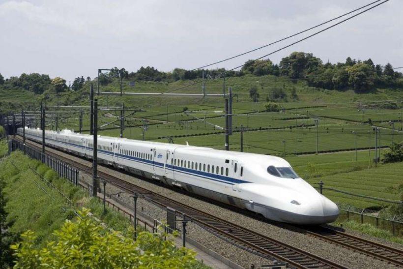एप्पल की मदद से 600 KM प्रति घंटे की रफ्तार से दौड़ेगी ट्रेन