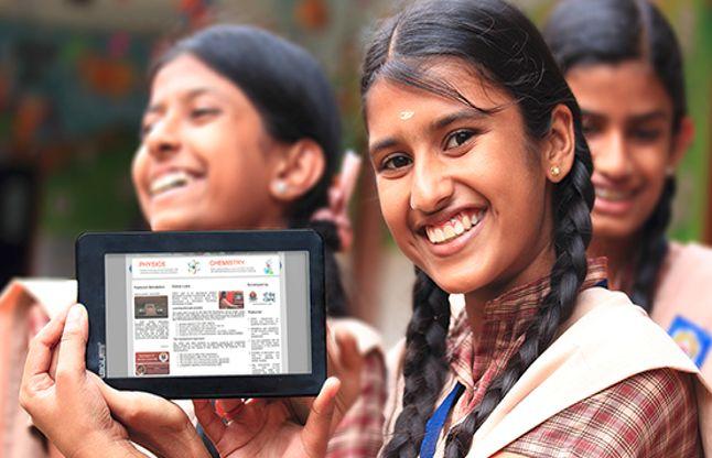 बस्ते का बोझ कम करेगी सरकार, बच्चों को देगी पढ़ाई के लिए टैबलेट