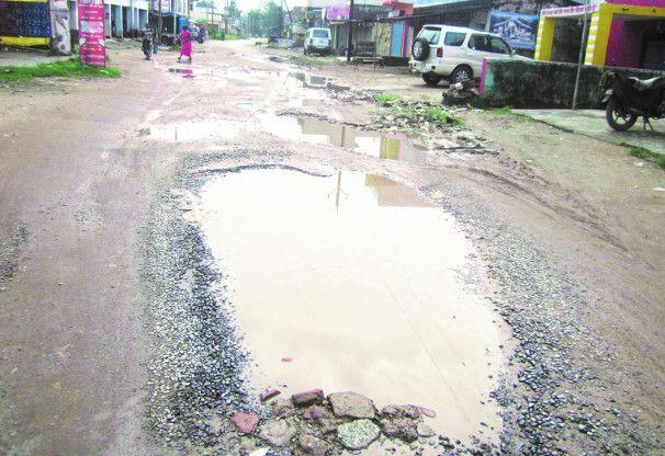 सरकार की जय हो : भरी बरसात में मिली सड़क डामरीकरण के लिए 15 करोड़ की स्वीकृति