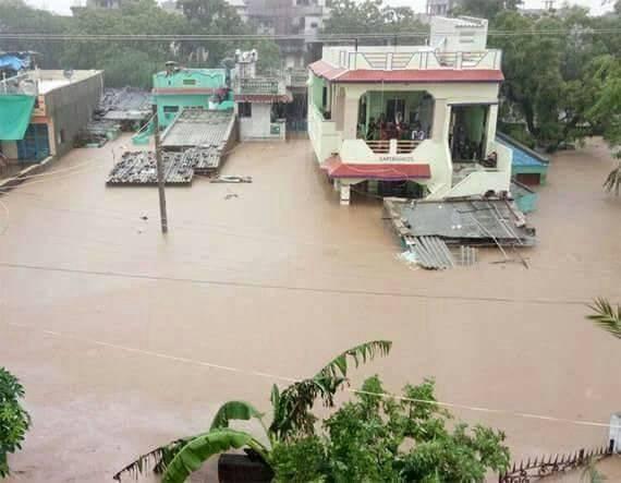 गुजरात के बाढ़ग्रस्त क्षेत्रों का दौरा करने के लिए पीएम मोदी रवाना