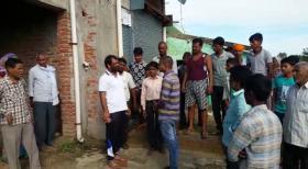 मुकदमा वापस नहीं लेने पर दबंगों ने की दिनदहाड़े बमबाजी