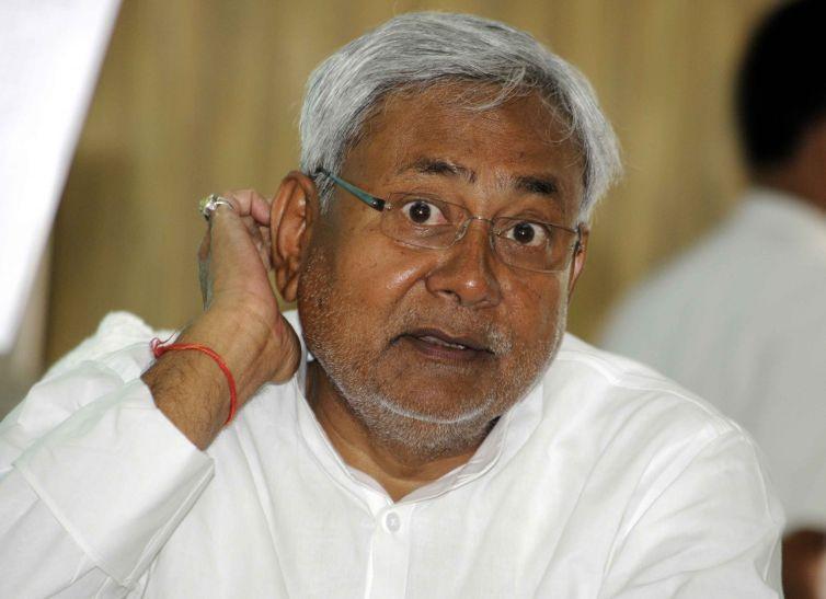 बिहार:भारी हंगामे के बीच नीतीश ने हासिल किया विश्वास मत, समर्थन में पड़े 131 वोट