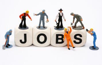 जियो मे काम करने का मौका, फ्रेशर्स भी कर सकते हैं आवेदन