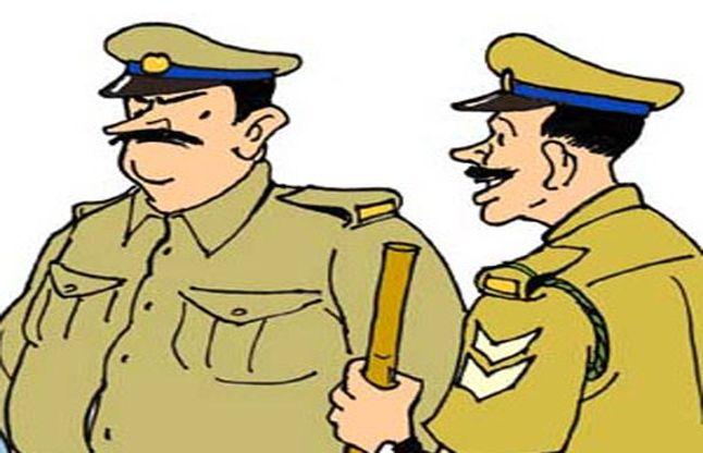 एसपी ने रात्रिगश्त के दौरान सीटी नहीं बजाने वाले पांच दर्जन पुलिस वालों का सीआर कर दिया खराब