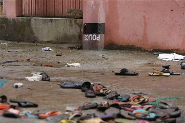दक्षिण अफ्रीका के स्टेडियम में भगदड़, 2 की मौत