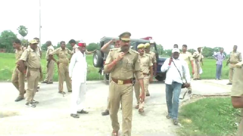 माफिया डॉन रमेश सिंह के घर कुर्की जब्ती, कोर्ट के आदेश पर कार्रवाई