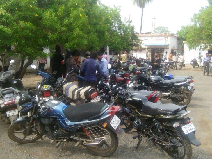 रोड टैक्स, बीमा के बिना बेचे बीएस-3 वाहन