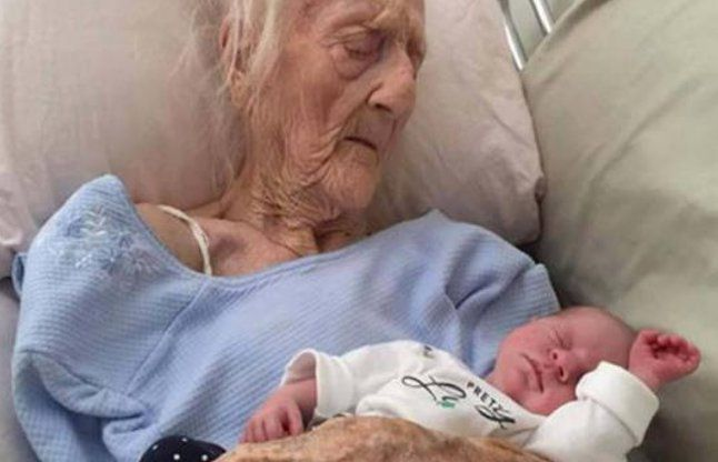101 साल की उम्र में महिला ने दिए 17वें बच्चे को जन्म, डॉक्टर्स हैरान