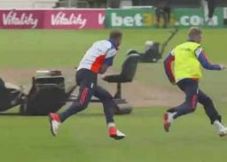 जो रूट ने की कुछ ऐसी हरकत, क्रिकेट प्रेमियों की छूटी हंसी