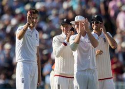 एजबेस्टन टेस्ट: एंडरसन के बाद अब फिन के ''पंजे'' में फंसे कंगारू, इंग्लैंड मजबूत