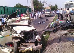 दो वाहनों की भिड़ंत में अध्यापक की मौत