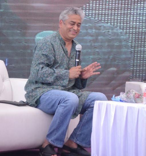 मशहूर पत्रकार राजदीप सरदेसाई ने ELECTRONIC MEDIA को बताया बिजनेस मॉडल, कहा जो बिकेगा वो चलेगा
