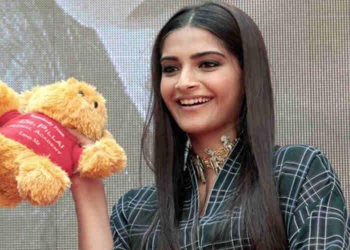 पाक ने लगाया फिल्म 'नीरजा' पर बैन