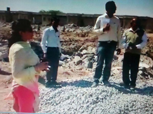 Video:नेहरू विहार में 50 मकानों में बाधा