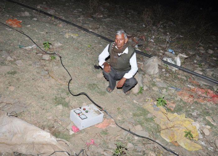 Image result for पानी चोरी करने वाले सिंचाई विभाग के कर्मचारियों