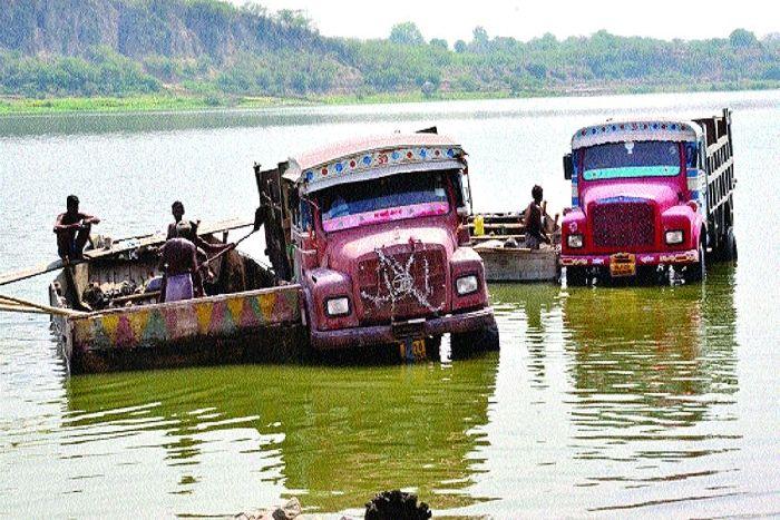 Sand mining in Chambal River: लूट रहे चंबल का 'खजाना'