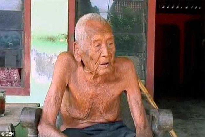 145 साल के शख्स ने 24 साल पहले ही तैयार कर ली थी अपनी कब्र पर अब तक नहीं आई मौत