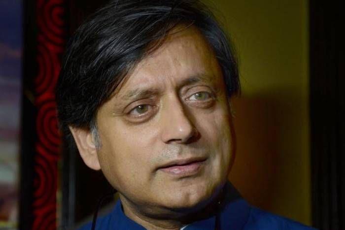 कांग्रेस नेता शशि थरूर ने फिर की प्रधानमंत्री नरेंद्र मोदी की खुलकर तारीफ