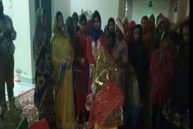 Video: हो म्हारी तुलसी को पहलो ऐ फेरो, घर-घर मनाया तुलसी विवाह उत्सव