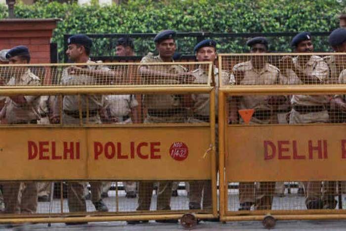 दिल्ली पुलिस में 15,000 अतिरिक्त पुलिसकर्मियों की होगी भर्ती: राजनाथ सिंह